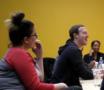 """扎克伯格在新年愿望中承诺要""""整顿""""Facebook"""